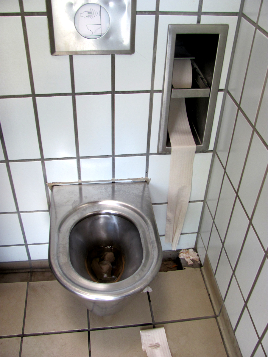 Autobahn Toilette