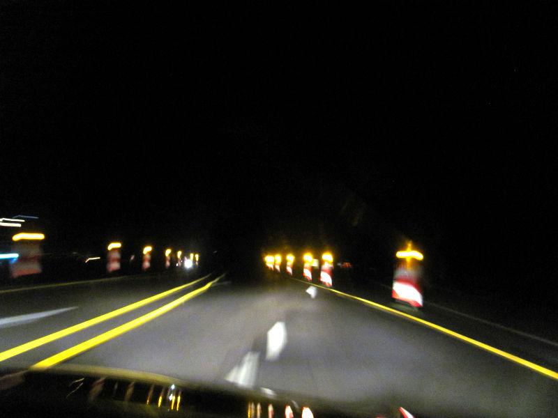 Fahren auf der Autobahn bei starken Regen
