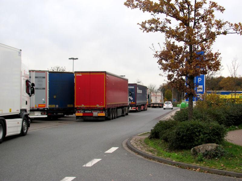 Parkplätze nicht mit dem PKW blockieren